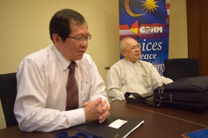 Lee (left) and Wong talking about the objectives and plans of the Christians for Peace & Harmony in Malaysia.