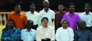 CPHM's Jason Leong and Sreedhar Subrmaniam (seated 3rd and 4th from left) with Taman Cuepacs residents' association representatives.